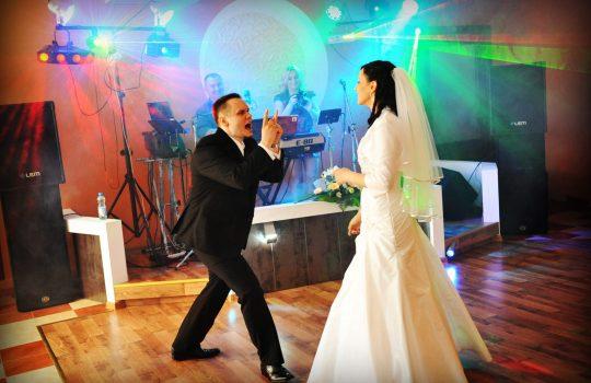 dynamiczny pierwszy taniec pary